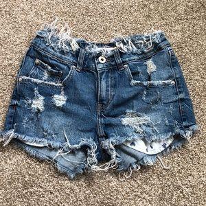 Zara distressed high rise stretchy jean shorts